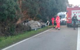 SARROCH, Sulla 195 si ribalta l'auto con 4 ragazzi: morto 24enne