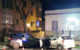 CAGLIARI, Scontro frontale in viale Marconi: feriti i due conducenti