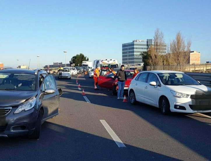 SARDEGNA, Quattro auto coinvolte in un tamponamento sulla statale 195