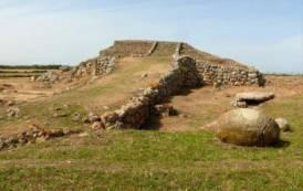 Monte d'Accoddi trascurato: storia e archeologia non sono tra le priorità (Augusto Grandi)