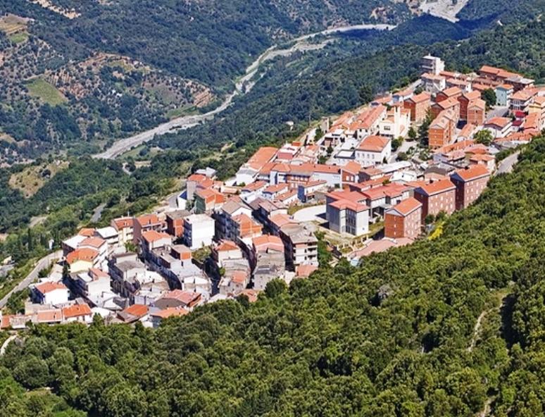 Realizzare in Ogliastra un modello 'glocal' per dare più lavoro e più sviluppo (Roberto MarinoMarceddu)