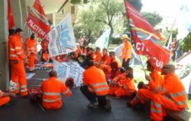 Ad Olmedo la politica regionale ha fallito: minatori al 60imo giorno di protesta a 180 metri sotto terra (Simone Testoni)