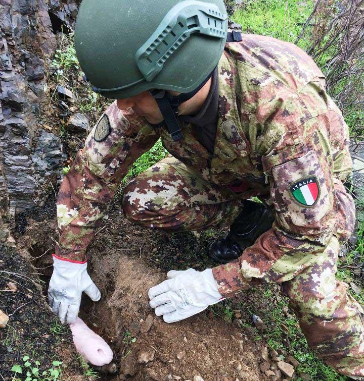 SARROCH, Artificieri della Brigata Sassari hanno fatto brillare un residuo bellico