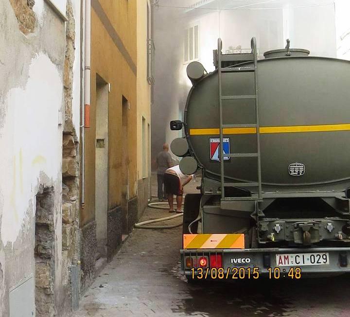 PERDASDEFOGU, Incendio in un garage del paese: interviene il reparto antincendio del Poligono del Salto di Quirra