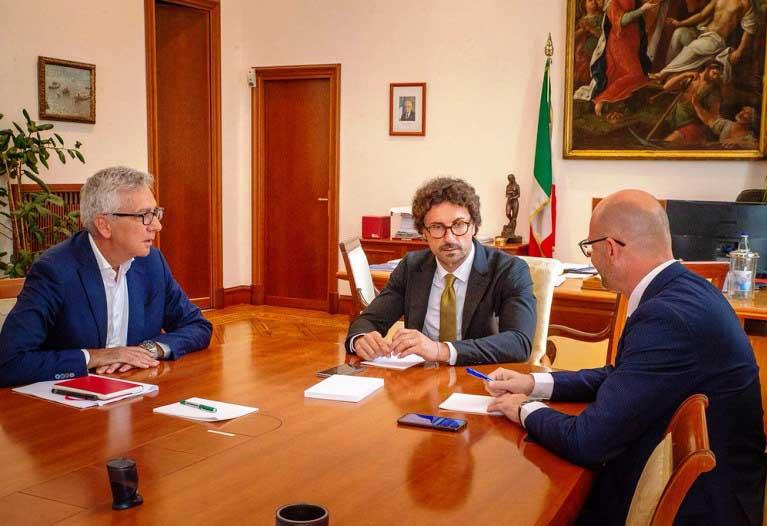 """TRASPORTI, Incontro col ministro Toninelli su continuità territoriale. Pigliaru: """"Superare le incertezze"""""""