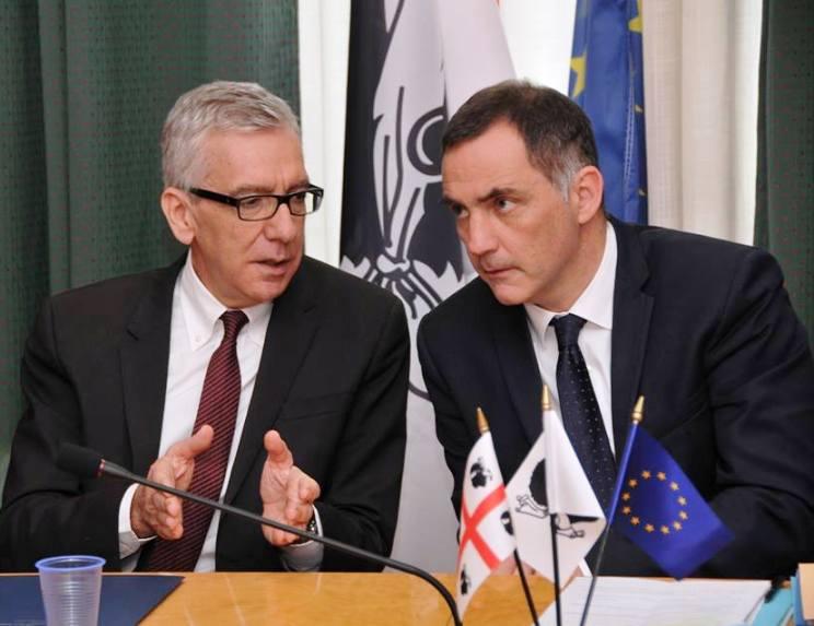 """REGIONE, Pigliaru e Simeoni firmano la dichiarazione d'intenti tra Sardegna e Corsica: """"Un momento storico"""""""