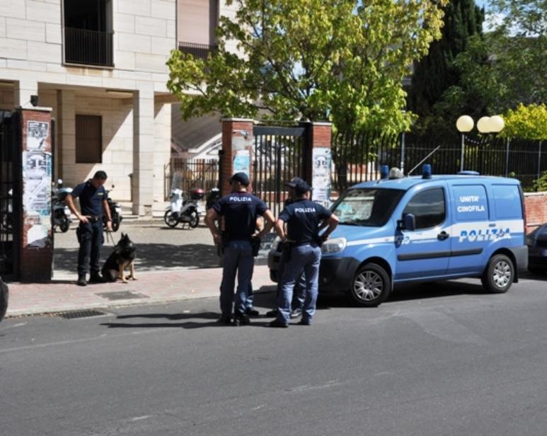 CAGLIARI, Servizi di prevenzione reati, in particolare spaccio di stupefacenti, davanti alle scuole cittadine