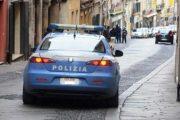 SASSARI, Ruba profumi per 1.800 euro e nasconde nel giubbotto altra refurtiva: arrestata straniera 51enne