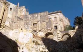 Cagliari attende che vengano eliminate le 'rovine di guerra' che deturpano il centro storico (Emilio Belli)