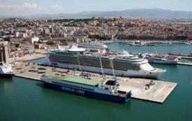 Duemilacinquecento anni di fatica e sudore: l'epico impegno del porto di Cagliari (Nicola Silenti)