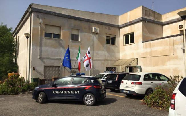 PORTOSCUSO, Concussione, peculato e truffa: arrestato il capo della Polizia municipale