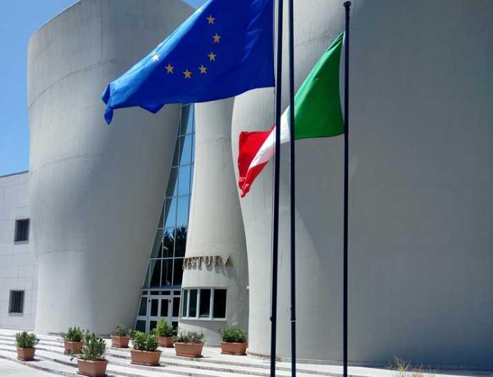 Ufficio Passaporti Questura Di Cagliari : Sassari esibisce in questura passaporto falso arrestato enne