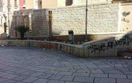 Cagliari: una bella domenica nel quartiere Marina, ma quanta sporcizia!