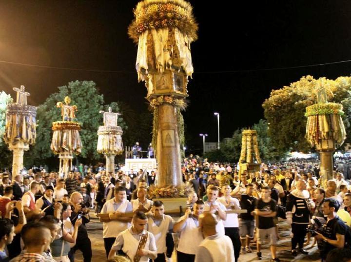 SASSARI, Concorso di idee aperto a studenti e artisti per un logo della festa dei Candelieri di Sassari