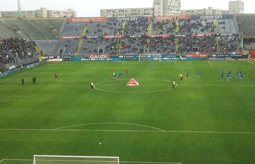 CALCIO, Cagliari battuto in casa dalla Lazio (1-3) e superato in classifica anche dal Cesena. Spazio ai giovani