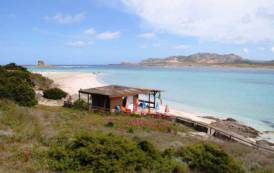 STINTINO, Cinque milioni di euro per il progetto contro l'erosione della spiaggia della Pelosa
