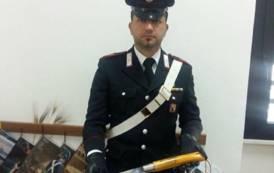 TEULADA, Distrugge un bar poi minaccia i carabinieri con un coltello di 50 centimetri: arrestato 42enne