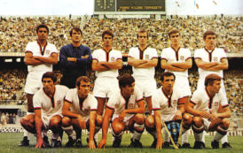 CALCIO, Battuta all'asta per 13mila euro la maglia di Riva 1969-70: il Cagliari la riporta nell'isola