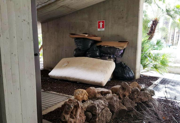 CAGLIARI, Proteste dei 'senzatetto' per lo sgombero della 'baraccopoli' di viale Bonaria (IMMAGINI)