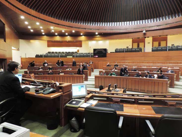 Consiglio regionale: in aula il giuramento di Fuoco e Contu