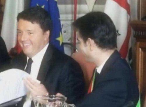 "CAGLIARI, Renzi firma col sindaco Zedda per 168 milioni di euro. Cappellacci: ""Un imbroglio"". Zedda (FI): ""Campagna referendaria"""