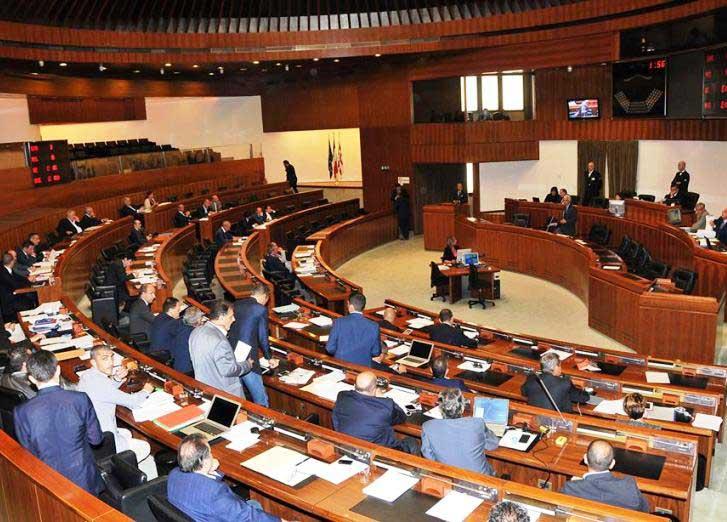 TURISMO, Miracoli del voto segreto: approvato emendamento che evita contributi a strutture destinate ad immigrati