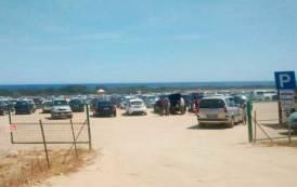 """CASTIADAS, Ambientalisti all'attacco: """"Il parcheggio nella spiaggia di Sant'Elmo deturpa il territorio"""""""