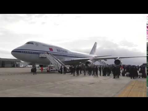 CAGLIARI, L'arrivo in aeroporto del presidente cinese Xi Jinping