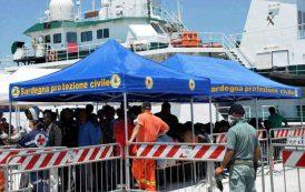 IMMIGRAZIONE, Ieri altri 14 algerini nel Sulcis, domani nuovo sbarco a Cagliari. Cittadini e politica alzano la voce