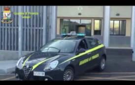 PORTO CERVO, Sequestrati 7.000 articoli contraffatti in un negozio del centro (VIDEO)