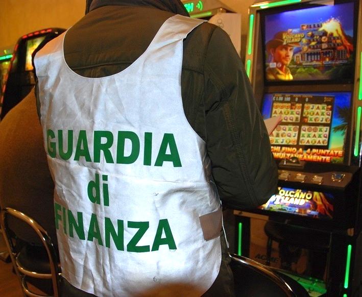 GUARDIA DI FINANZA, Nel 2014 individuati 321 evasori, danni all'erario e appalti irregolari per 55 milioni