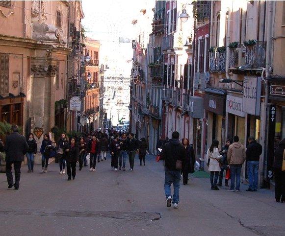 """CAGLIARI, Tocco (Forza Italia): """"Un piano di sostegno per il commercio . Trovare risorse a favore del commercio nei centri urbani"""""""
