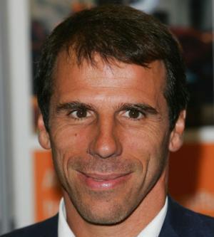 CALCIO, Esordio shock per Gianfranco Zola. Un 5-0 che potrebbe essere persino salutare