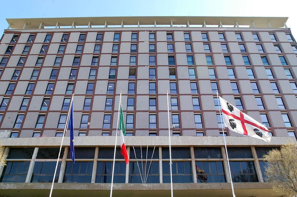 """AGENZIA ENTRATE, Giunta apre dibattito su ddl. Cappellacci (FI): """"Finora Agenzia Entrate Renzi"""". Dedoni (Rif.): """"Lavoro sporco per Stato"""""""