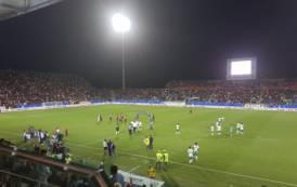CALCIO, Cagliari-Sassuolo 2-2 al 99°: Ionita ko e rissa finale