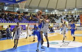 PALLACANESTRO, Academy Cagliari crolla a Roma (95-68) e rimanda l'appuntamento con la salvezza