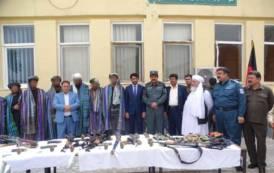 AFGHANISTAN, Oltre 30 talebani consegnano armamento nella zona controllata dalla Brigata Sassari