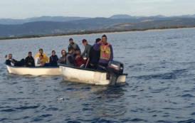 SULCIS, Nuovi sbarchi di clandestini a Porto Pino: due barche con 12 persone