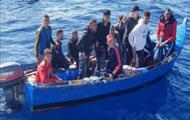 """IMMIGRAZIONE, In Spagna parlano di """"attacco contro le frontiere"""". Sardegna si prepari ad ondata di clandestini algerini"""