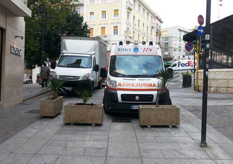 A Cagliari in via Garibaldi non possono entrare ambulanze: a rischio salute e sicurezza dei cittadini (Paolo Angius)