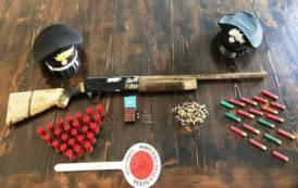 VILLACIDRO, Nascondeva un fucile con matricola abrasa e munizioni: arrestato pregiudicato 60enne
