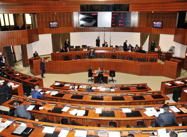"""IRPEF, L'opposizione compatta contro l'aumento dell'Irpef regionale: """"Pronti a dare battaglia  in Aula e fuori"""""""