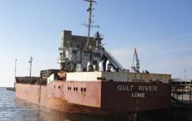 SANT'ANTIOCO, Nave merci del Togo fermata al porto per alcune iregolarità