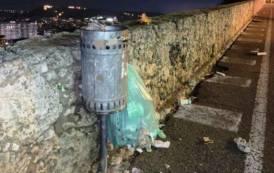 ISTANTANEA, A Cagliari raccolta rifiuti 'porta a porta', ma 'strada a strada' quando