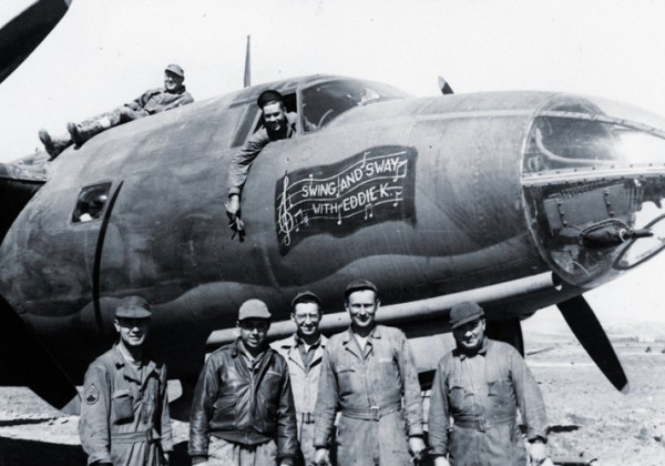 """B-26 Marauder """"Swing and Sway with Eddie K"""" del 320° Bomb Group a Decimomannu nel 1944"""