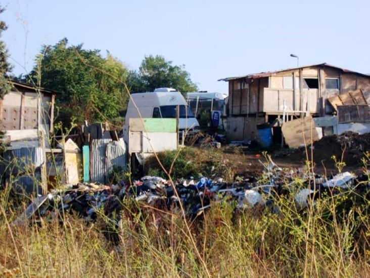ARSENICO, Trovati nel campo rom di Selargius tutti i 'luoghi comuni' sugli zingari