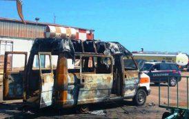 TORTOLI', Incendiata un'ambulanza nell'area dell'aeroporto: denunciati 6 turisti (5 minorenni)