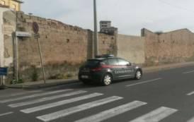 CAGLIARI, Auto dei carabinieri speronata durante inseguimento: arrestato pregiudicato 32enne di Assemini