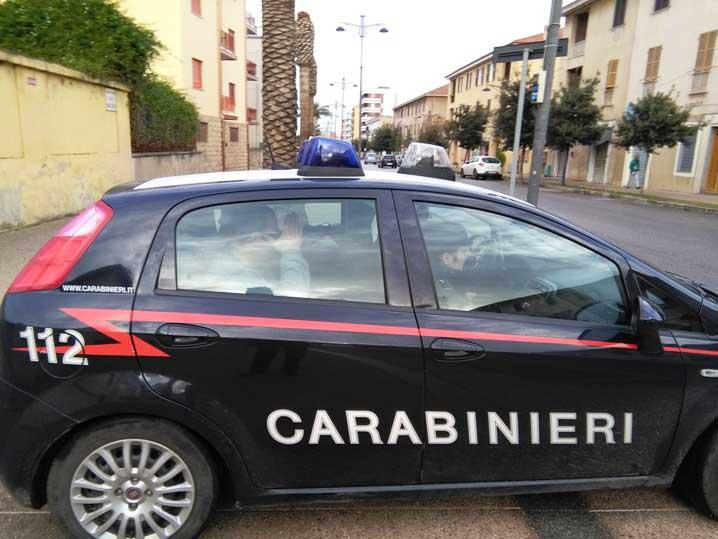 Carabinieri_auto_Carbonia2