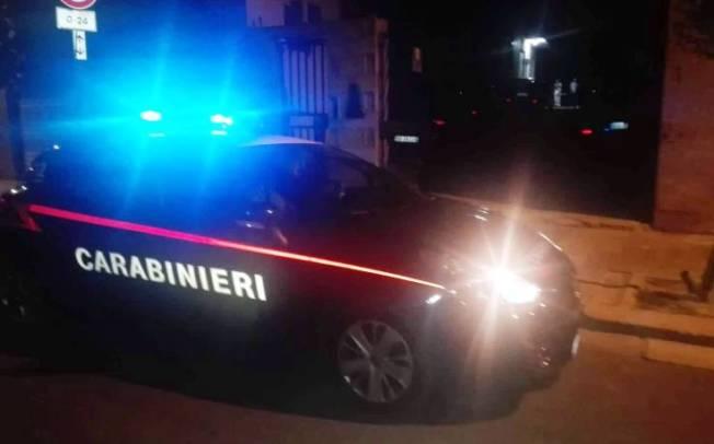 CAGLIARI, Danneggiavano le auto in via Sassari: arrestati due gambiani